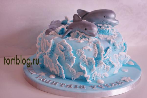 Морской торт с дельфинами